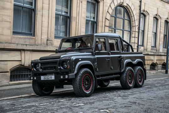 Front/Side  of Kahn Design Flying Huntsman 110 6×6 2.2 TDCI 6x6 Automatic, 126hp, 2015