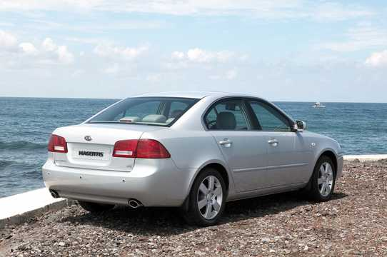 Back/Side of Kia Magentis 2.7 V6 188hp, 2006