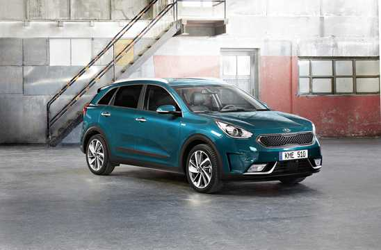 Front/Side  of Kia Niro Hybrid 1.6 GDi DCT, 141hp, 2017
