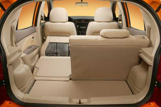 Interior of Kia Picanto 1.1 Automatic, 65hp, 2004