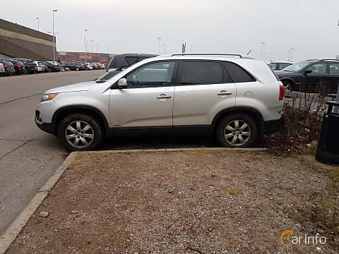 Side  of Kia Sorento 2.2 CRDi 4WD Automatic, 197ps, 2012
