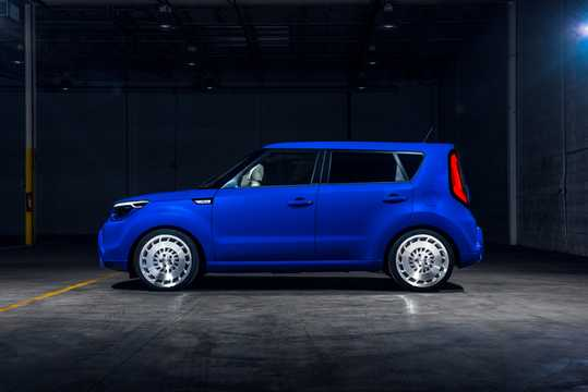 Side  of Kia Soul First Class 1.6 GDI Concept, 132hp, 2016