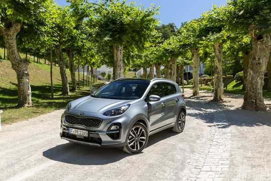 Front/Side  of Kia Sportage 1.6 CRDi AWD DCT, 136hp, 2019