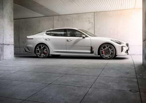 Side  of Kia Stinger GT 3.3 V6 T-GDI AWD Automatic, 370hp, 2018