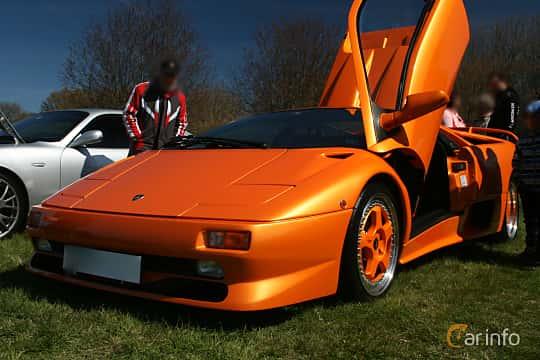 Front/Side  of Lamborghini Diablo SV 5.7 V12 Manual, 510ps, 1998 at Italienska Fordonsträffen - Krapperup 2017