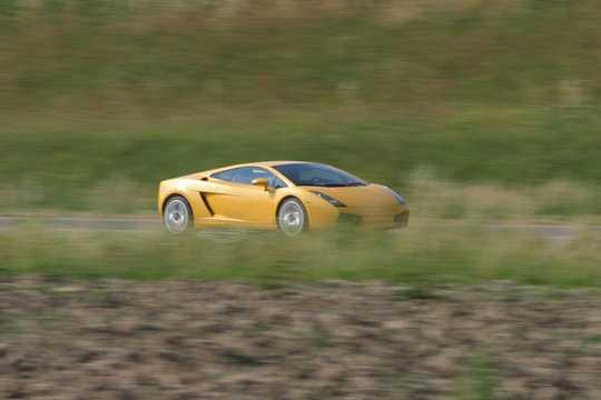 Front/Side  of Lamborghini Gallardo 5.0 V10 AWD E-Gear, 500hp, 2004