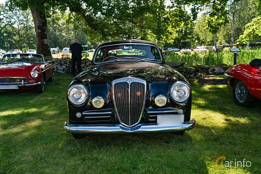 Front  of Lancia Aurelia Berlina 2.3 V6 Manual, 87ps, 1955 at Sportbilsklassiker Stockamöllan 2019