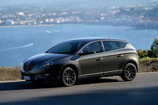 https://s.car.info/image_files/360/lancia-delta-5-door-front-side-0-209664.jpg