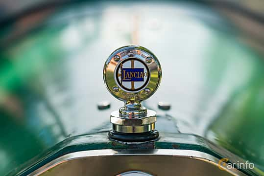 Close-up of Lancia Lambda Torpedo 2.1 Manual, 1925 at Sportbilsklassiker Stockamöllan 2019