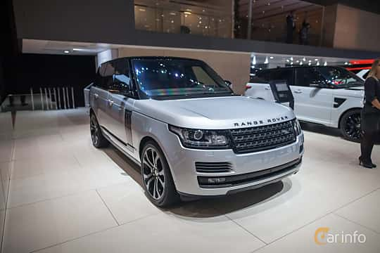 Front/Side  of Land Rover Range Rover 5.0 V8 4WD Automatic, 550ps, 2017 at Geneva Motor Show 2017