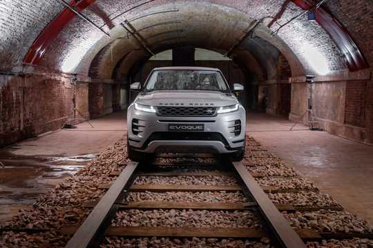 Front  of Land Rover Range Rover Evoque 2019