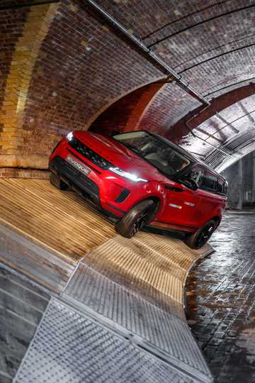 Front/Side  of Land Rover Range Rover Evoque 2019