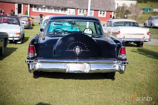 Bak av Lincoln Continental 6.0 V8 Automatic, 299ps, 1956 på Bil & Mc-café vid Tykarpsgrottan v.33 (2017)