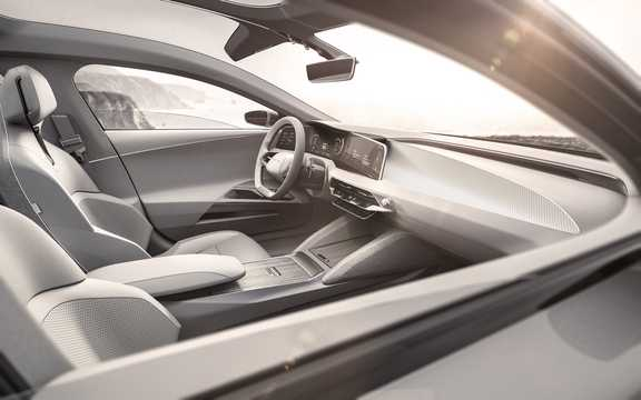 Interior of Lucid Motors Air 130 kWh Single Speed, 1014hp, 2016