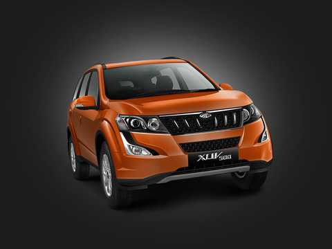 Front/Side  of Mahindra XUV500 2016