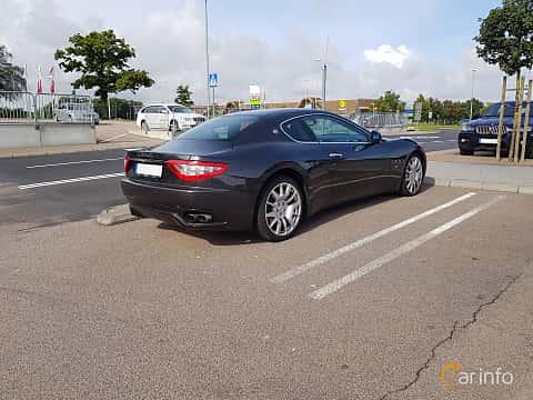 Back/Side of Maserati GranTurismo 4.2 V8  Automatic, 411ps, 2008