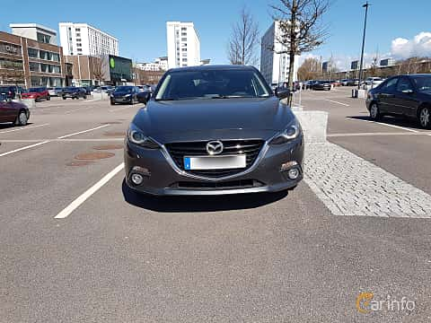 Front  of Mazda 3 Sport 2.0 SKYACTIV-G Manual, 165ps, 2014