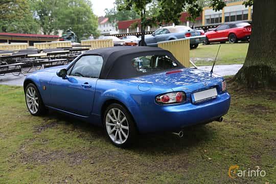 Back/Side of Mazda MX-5 Soft-top 2.0 Manual, 160ps, 2007 at Bil & MC-träffar i Huskvarna Folkets Park 2019 Amerikanska fordon
