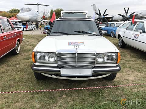 Front  of Mercedes-Benz 300 DT  121ps, 1980 at Old Car Land no.2 2019