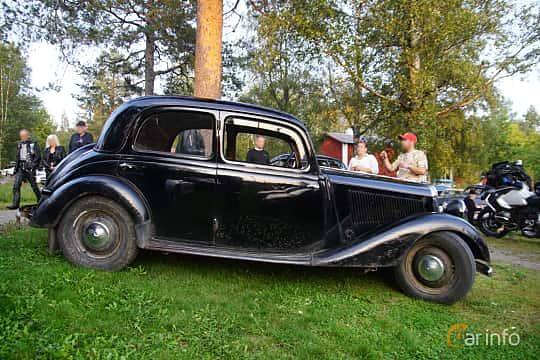 Side  of Mercedes-Benz 170 V 4-door Sedan  Manual, 38ps, 1950 at Onsdagsträffar på Gammlia Umeå 2019 vecka 35