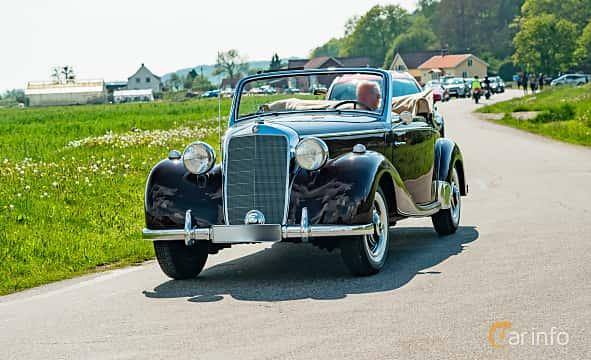 Fram/Sida av Mercedes-Benz 170 S Cabriolet A  Manual, 52ps, 1950 på Tjolöholm Classic Motor 2019