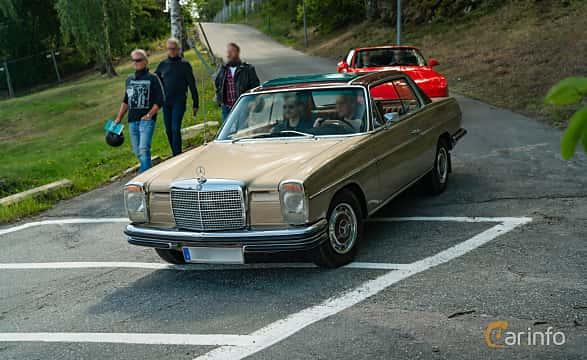 Front/Side  of Mercedes-Benz 250 CE Coupé  Manual, 150ps, 1971 at Stockholm Vintage & Sports Car meet 2019