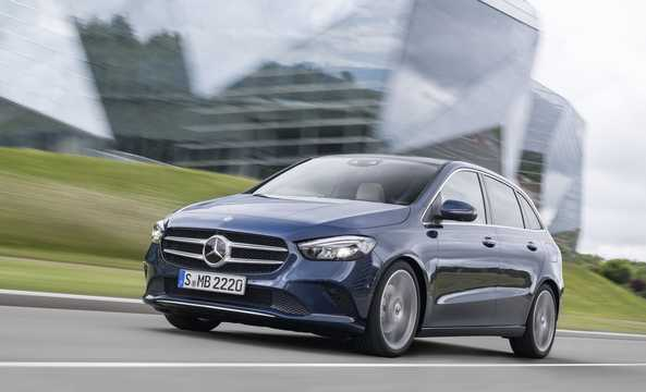 Front/Side  of Mercedes-Benz B-Class Sports Tourer 2019