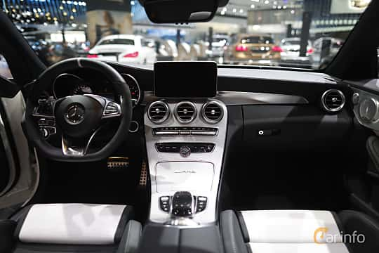 Interiör av Mercedes-Benz AMG C 63 S Cabriolet 4.0 V8 AMG Speedshift MCT, 510ps, 2017 på North American International Auto Show 2017