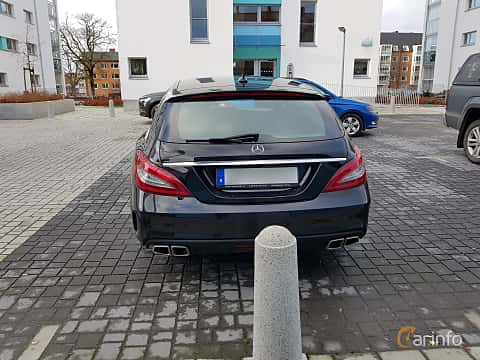 Back of Mercedes-Benz CLS 63 AMG 4MATIC Shooting Brake 5.5 V8 4MATIC , 557ps, 2015