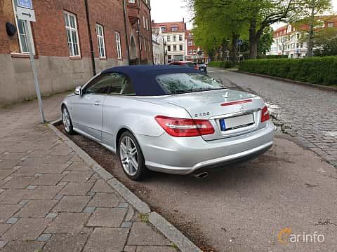 Bak/Sida av Mercedes-Benz E 250 CDI Cabriolet BlueEFFICIENCY  5G-Tronic, 204ps, 2011