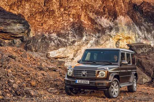 Front/Side  of Mercedes-Benz G 500  9G-Tronic, 421hp, 2019