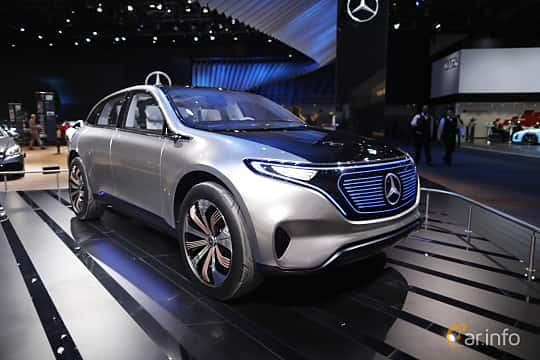 Fram/Sida av Mercedes-Benz Generation EQ 70 kWh Single Speed, 408ps, 2016 på North American International Auto Show 2017