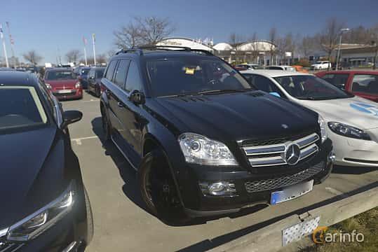 Fram/Sida av Mercedes-Benz GL 500 4MATIC  7G-Tronic, 388ps, 2007