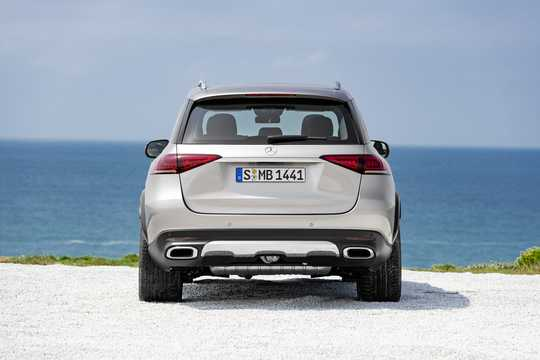 Back of Mercedes-Benz GLE 450 4MATIC  9G-Tronic, 367hp, 2019