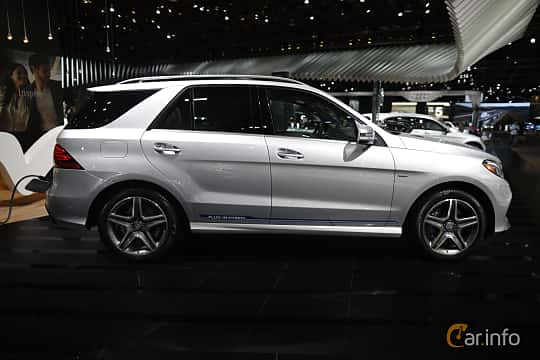 Sida av Mercedes-Benz GLE 500 e 4MATIC 3.0 V6 4MATIC 7G-Tronic Plus, 442ps, 2017 på North American International Auto Show 2017