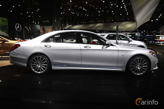 Sida av Mercedes-Benz S 500 e L 3.0 V6 7G-Tronic Plus, 442ps, 2017 på North American International Auto Show 2017