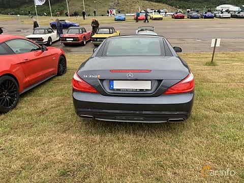Back of Mercedes-Benz SL 350  7G-Tronic Plus, 306ps, 2013 at Svenskt sportvagnsmeeting 2019