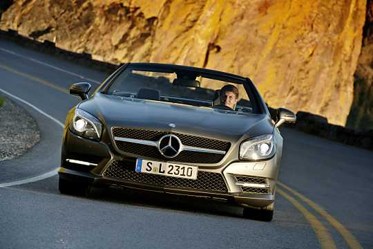 Front  of Mercedes-Benz SL 500  7G-Tronic Plus, 435hp, 2013