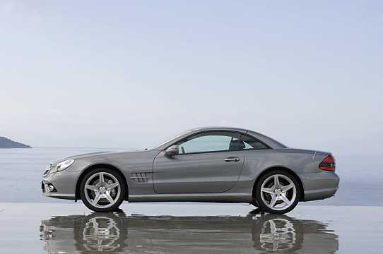 Side  of Mercedes-Benz SL 350  7G-Tronic, 316hp, 2008