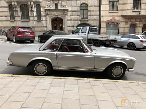 Side  of Mercedes-Benz 280 SL  Automatic, 170ps, 1969