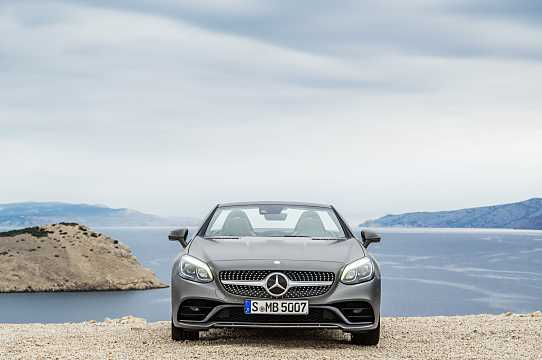 Front  of Mercedes-Benz SLC 300  9G-Tronic, 245hp, 2017