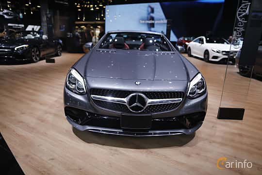 Fram av Mercedes-Benz SLC 300 2.0 9G-Tronic, 245ps, 2017 på North American International Auto Show 2017