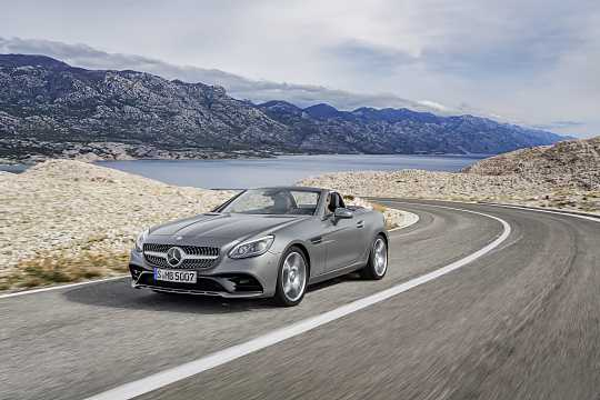 Front/Side  of Mercedes-Benz SLC 300  9G-Tronic, 245hp, 2017