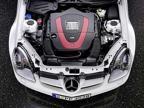 Engine compartment  of Mercedes-Benz SLK 350  Manual, 305hp, 2008