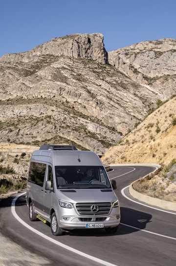Front/Side  of Mercedes-Benz Sprinter MiniBus 907