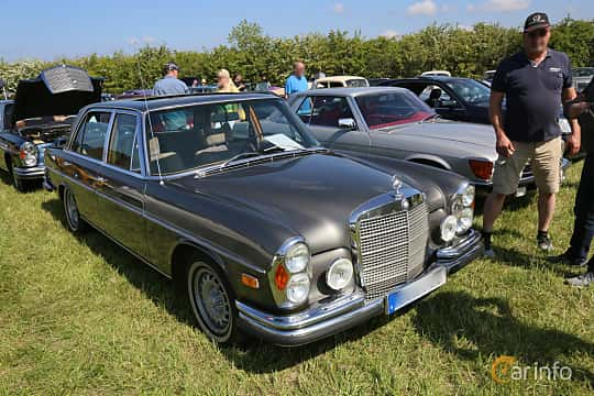Front/Side  of Mercedes-Benz 300 SEL 3.5  Automatic, 200ps, 1972 at Tjolöholm Classic Motor 2019
