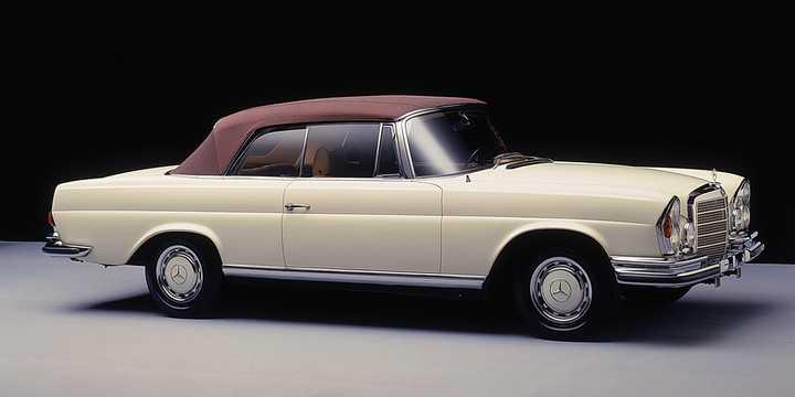 Front/Side  of Mercedes-Benz 280 SE Cabriolet  160hp, 1969
