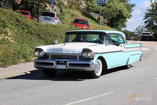 Fram/Sida av Mercury Montclair 2-door Hardtop 5.1 V8 Automatic, 258ps, 1957 på Cruising Lysekil 2019