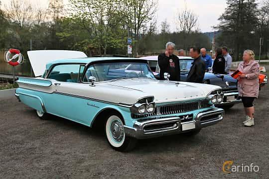 Front/Side  of Mercury Montclair 2-door Hardtop 5.1 V8 Automatic, 258ps, 1957 at Kungälvs Kulturhistoriska Fordonsvänner  2018 v.35