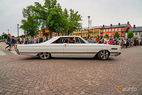 Side  of Mercury Park Lane 2-door Hardtop 6.7 V8 Automatic, 334ps, 1966 at Nässjö Cruising 2019